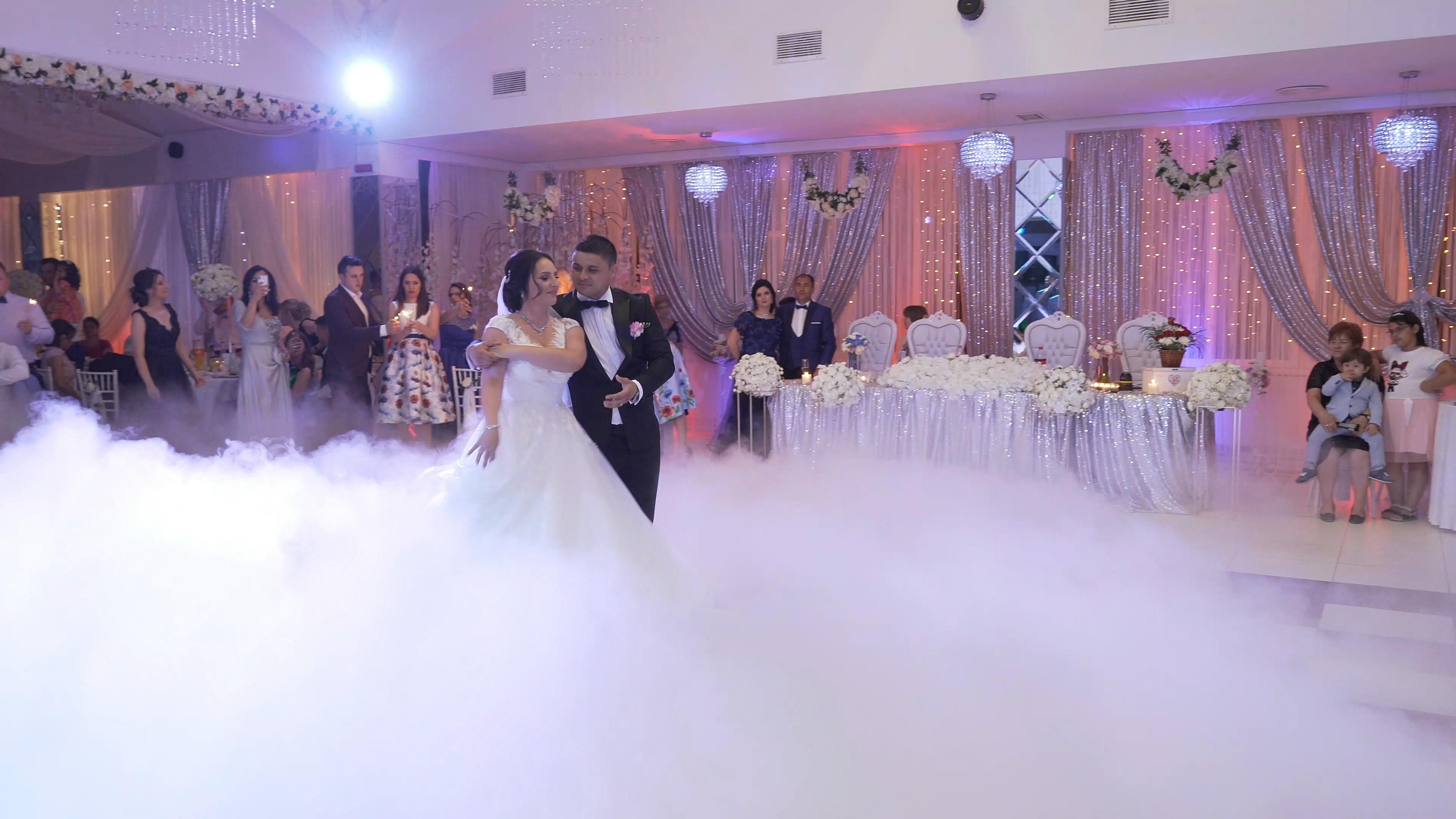 Madalina & Bogdan – Dansul mirilor 4k.mp4_snapshot_00.31_[2019.08.01_12.43.00]
